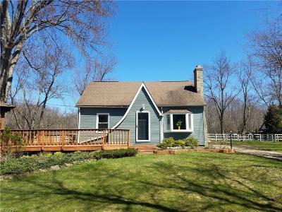 Chardon Single Family Home For Sale: 10849 Auburn Rd