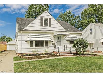 Willowick Single Family Home For Sale: 418 Acacia Dr