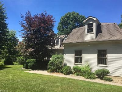 Hubbard Single Family Home For Sale: 2720 Tibbetts Wick Rd