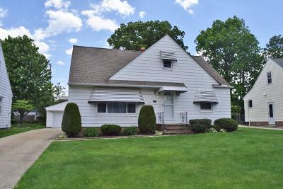 Mayfield Heights Single Family Home For Sale: 1701 Byron Dr