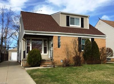 South Euclid Single Family Home For Sale: 4129 Stonehaven Rd