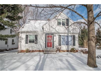 Maple Heights Single Family Home For Sale: 16213 Woodbrook Ave