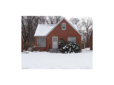 Parma Single Family Home For Sale: 2235 Lorimer Rd