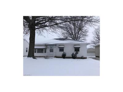 Willowick Single Family Home For Sale: 30225 Forestgrove Rd