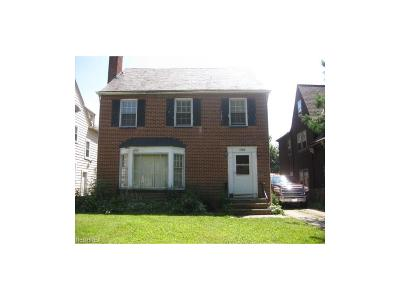 Shaker Heights Multi Family Home For Sale: 17616 Winslow Rd