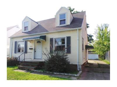 Maple Heights Single Family Home For Sale: 20600 Watson Rd