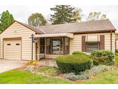 Mayfield Heights Single Family Home For Sale: 1306 Eastwood Ave
