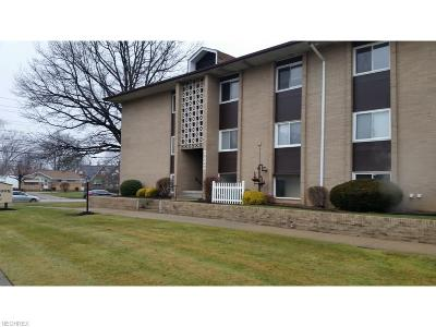 Parma Heights Condo/Townhouse For Sale: 10440 North Church Dr #216