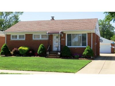 Willowick Single Family Home For Sale: 31702 Royalview Dr