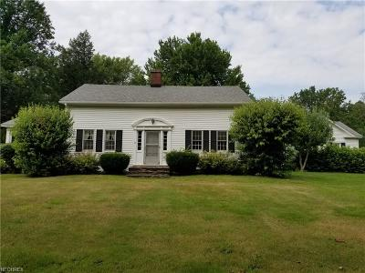 Ashtabula County Single Family Home For Sale: 4001 Lake Rd
