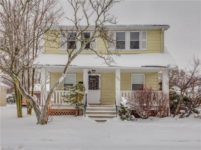 Mayfield Heights Single Family Home For Sale: 1337 Iroquois Ave