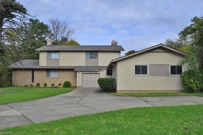 Shaker Heights Single Family Home For Sale: 3129 Warrensville Center Rd