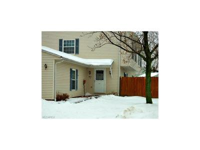 Mentor Condo/Townhouse For Sale: 6813 Colonial Dr #A