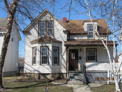 Lorain Single Family Home For Sale: 1837 East 29th St