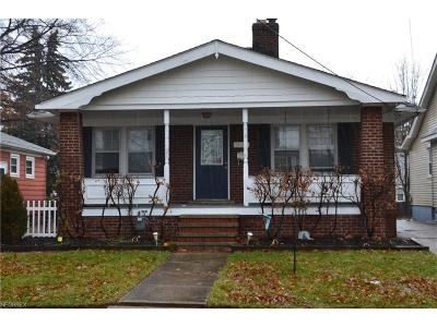 Parma Single Family Home For Sale: 3020 Lucerne Ave