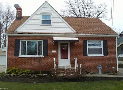Lyndhurst Single Family Home For Sale: 5372 Summit Rd