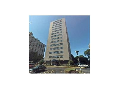 Bay Village, Rocky River, Fairview Park, Westlake, Lakewood Condo/Townhouse For Sale: 12520 Edgewater Dr #407