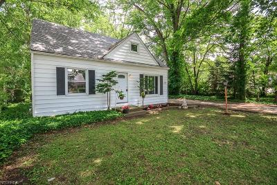 Mentor Single Family Home For Sale: 7261 Hopkins Rd