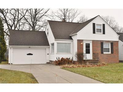 Willowick Single Family Home For Sale: 442 Bayridge Blvd