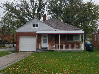 Parma Single Family Home For Sale: 2328 Grovewood Ave