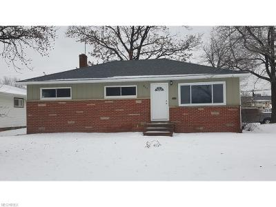 Willowick Single Family Home For Sale: 857 Bayridge Blvd