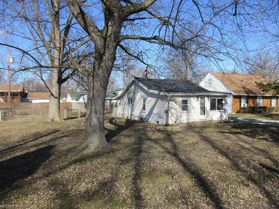 Lorain County Single Family Home For Sale: 618 West Shore Blvd