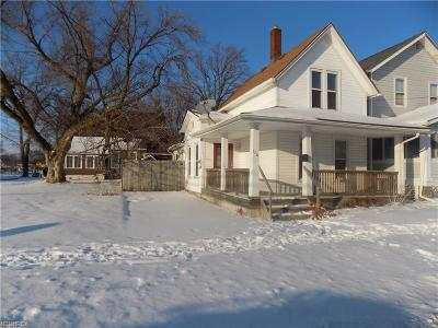 Lorain Single Family Home For Sale: 1034 West 5th St