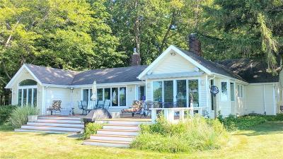 Mentor-On-The-Lake Single Family Home For Sale: 7633 Salida Rd
