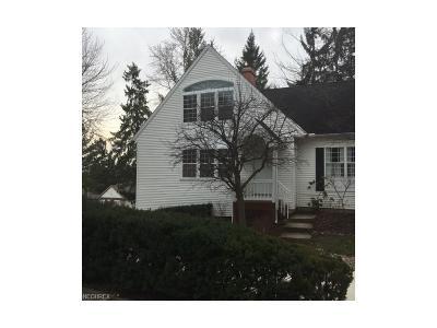 Brecksville Condo/Townhouse For Sale: 6809 Chaffee Ct #24