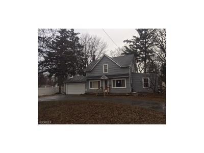 Mentor Single Family Home For Sale: 7097 Lake Shore Blvd