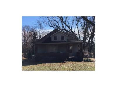Alliance OH Single Family Home For Sale: $110,000