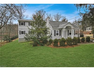 Brecksville Single Family Home For Sale: 6824 Farview Rd