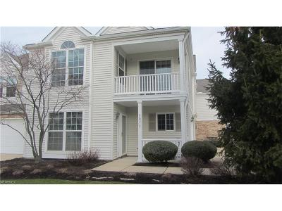 Highland Heights Condo/Townhouse For Sale: 5631 North Greenway Ct #5C