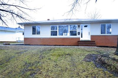 Parma Single Family Home For Sale: 7585 Selwick Dr