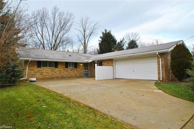 North Olmsted Single Family Home For Sale: 5086 Douglas Dr