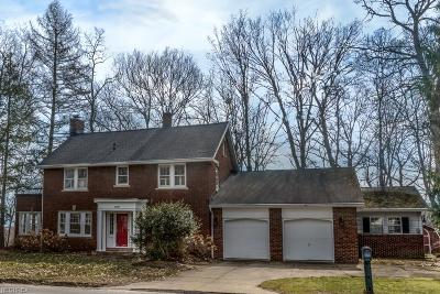 Willoughby Single Family Home For Sale: 38298 Ridge Rd