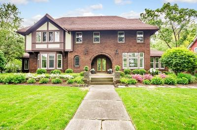 Shaker Heights Single Family Home For Sale: 2847 Sedgewick Rd
