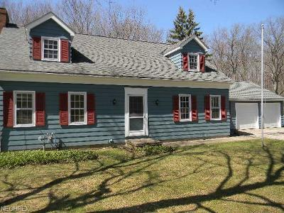 Geauga County Single Family Home For Sale: 79 West Bel Meadow Ln