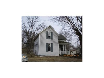 Guernsey County Single Family Home For Sale: 10143 Pleasant Rd