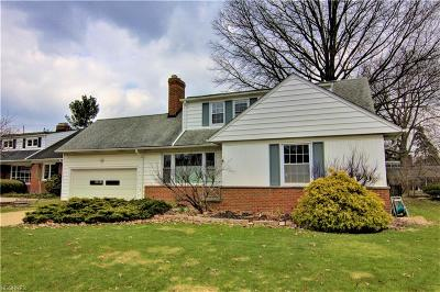 Shaker Heights Single Family Home For Sale: 23740 Wimbledon Rd