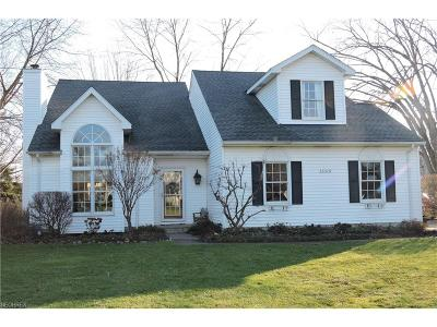 Avon Lake Single Family Home For Sale: 33316 Chatham Dr