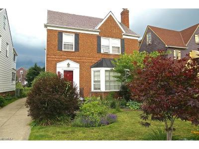 Shaker Heights Single Family Home For Sale: 3692 Strathavon Rd