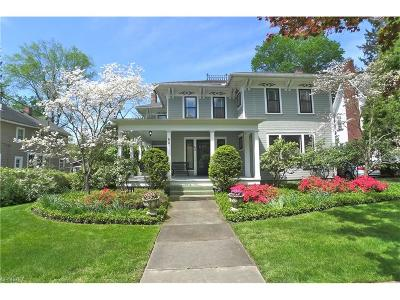 Chagrin Falls Single Family Home For Sale: 60 Church St