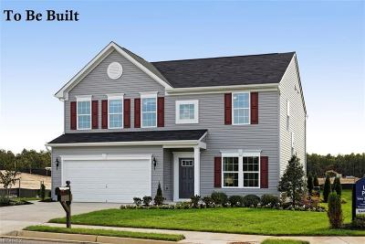 North Ridgeville Single Family Home For Sale: 165 Thornbury