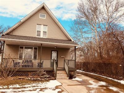 Single Family Home For Sale: 1614 Branch Ave