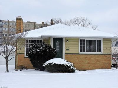 Parma Heights Single Family Home For Sale: 6673 Fernhurst Ave