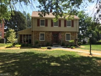 Zanesville Single Family Home For Sale: 1412 Marion Ave