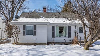 Mentor Single Family Home For Sale: 8092 Dartmoor Rd