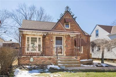 Parma Single Family Home For Sale: 7921 Dresden Ave