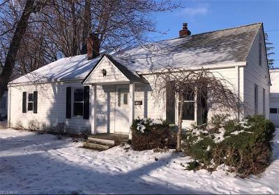 Eastlake Single Family Home For Sale: 141 Parkway Dr